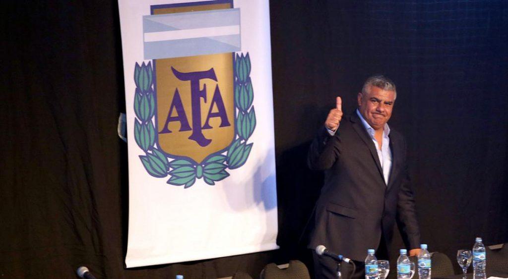 Sugieren la suspensión del fútbol y en AFA esperan decisión de Nación