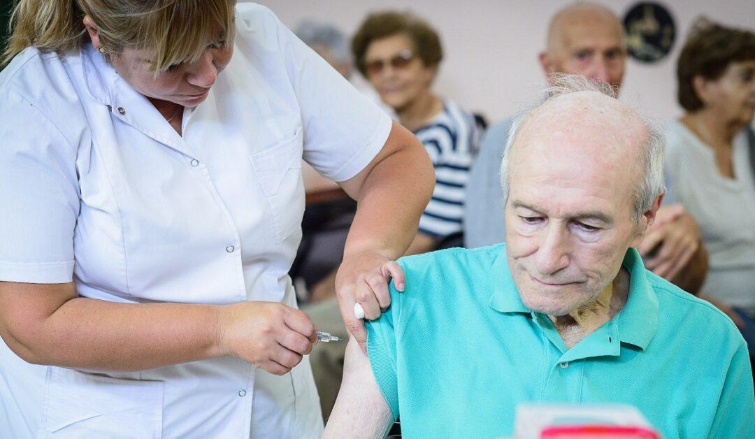 Provincia de Buenos Aires  Comenzó la vacunación a mayores de 70 años